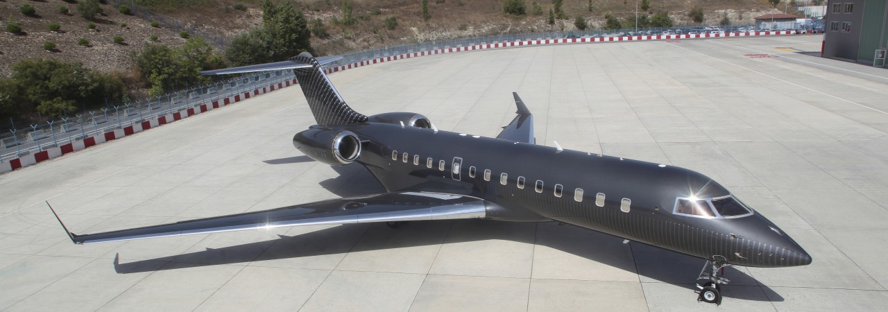 Full repainting Bombardier Global XRS handcrafted texture weave and honeycomb pattern