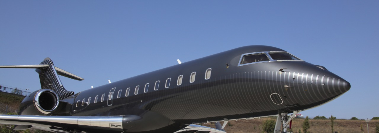 Aircraft painting honeycomb and texture weave on grey metallic for Global XRS