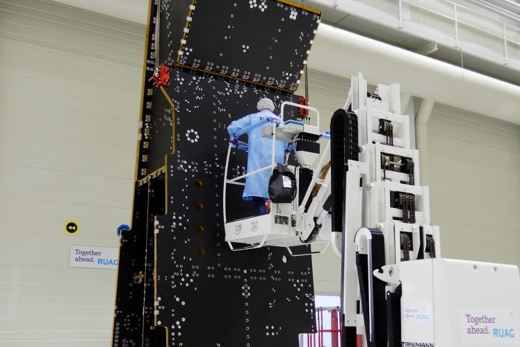 Metop-STM-structure in a cleanroom